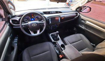 Toyota Hilux SR  4X2  2.4L TDI 2017